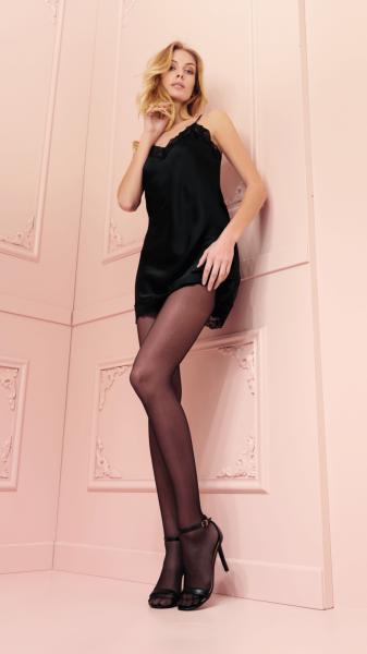 Gladde glanzende panty Brigitte van Trasparenze, 20 DEN