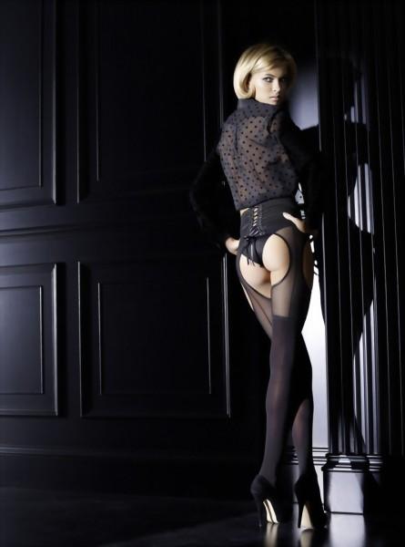 Exclusieve strippanty Letizia van Omero